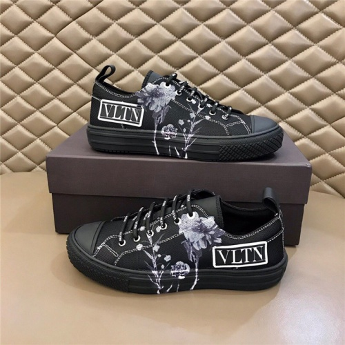 Valentino Casual Shoes For Men #818749