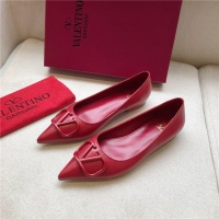 $80.00 USD Valentino Flat Shoes For Women #814377