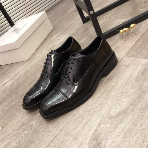Versace Leather Shoes For Men #818975