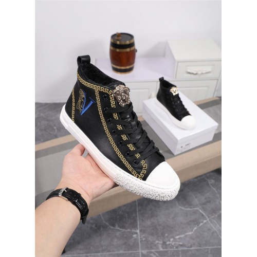 Versace High Tops Shoes For Men #818992