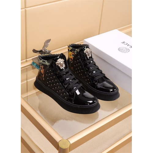 Versace High Tops Shoes For Men #819028