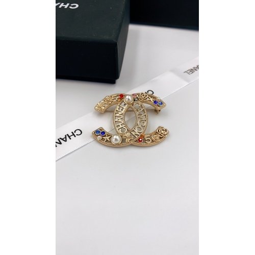 Chanel Brooches #819097