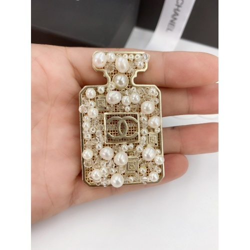 Chanel Brooches #819102