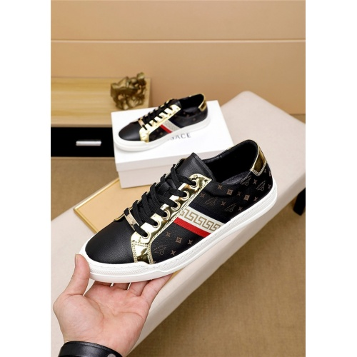 Versace Casual Shoes For Men #819375