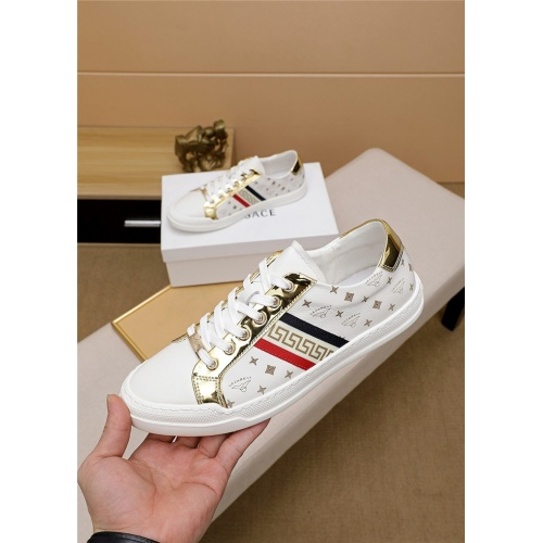 Versace Casual Shoes For Men #819376