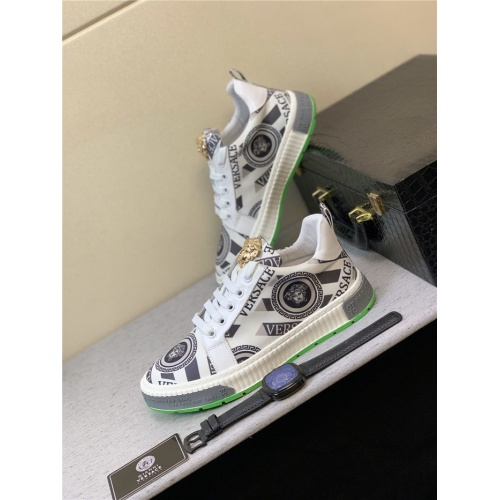 Versace Casual Shoes For Men #819377