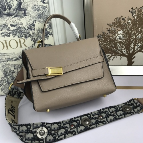 Christian Dior AAA Quality Messenger Bags For Women #819916
