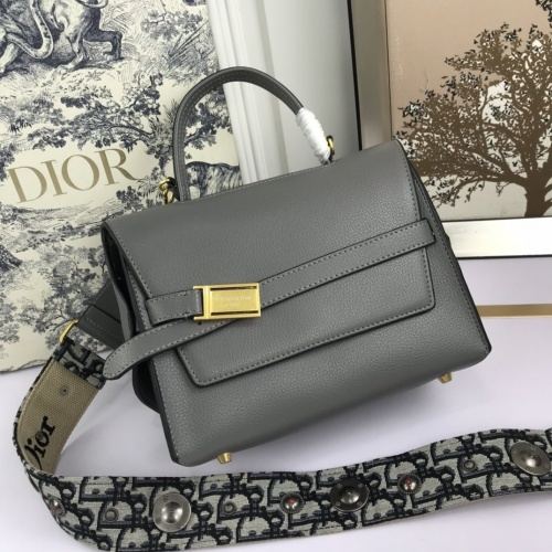 Christian Dior AAA Quality Messenger Bags For Women #819917