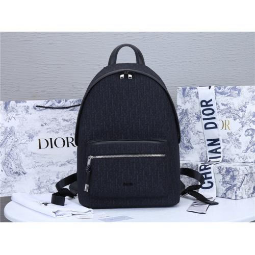 Christian Dior AAA Man Backpacks #819951