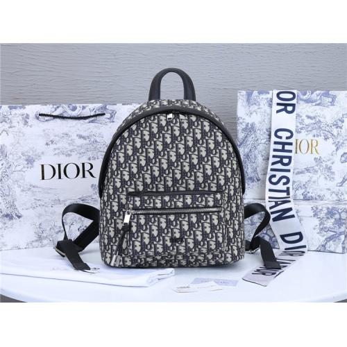 Christian Dior AAA Man Backpacks #819956