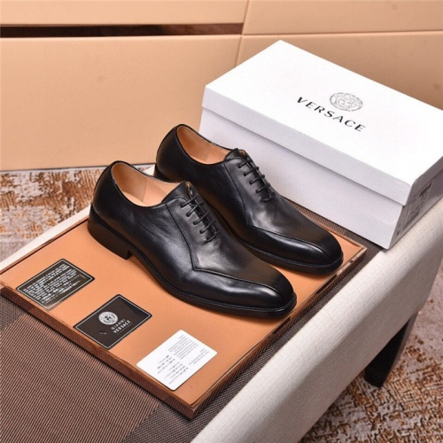 Versace Leather Shoes For Men #820037