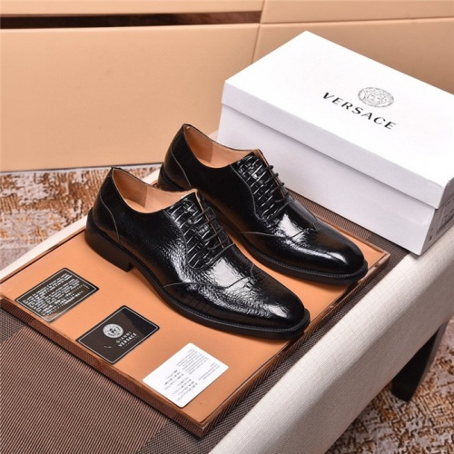 Versace Leather Shoes For Men #820041