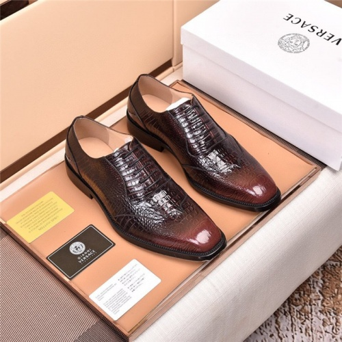 Versace Leather Shoes For Men #820042