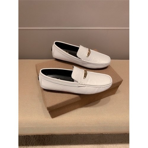 Versace Casual Shoes For Men #820336