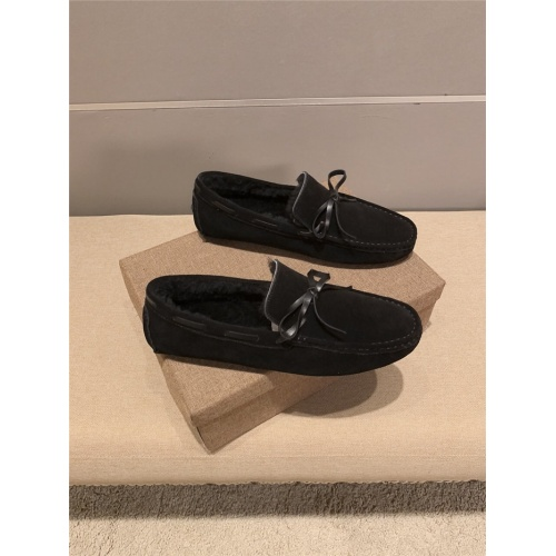 Versace Casual Shoes For Men #820337