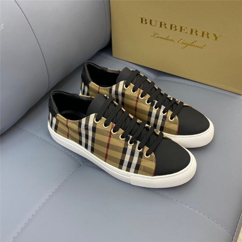 Burberry Casual Shoes For Men #820347