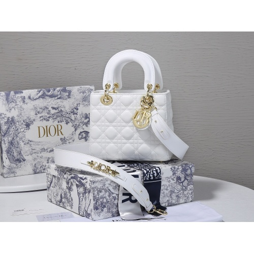 Christian Dior AAA Quality Messenger Bags For Women #820460