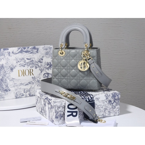 Christian Dior AAA Quality Messenger Bags For Women #820462