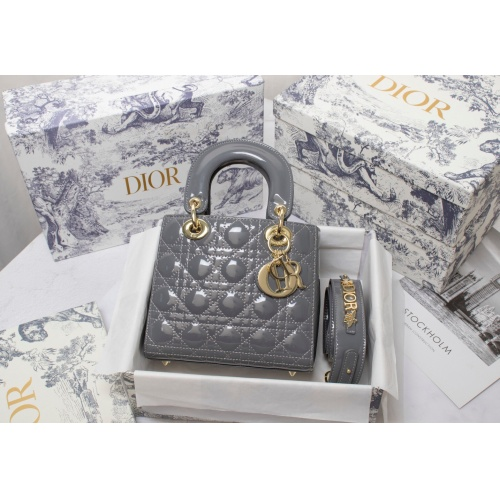 Christian Dior AAA Quality Messenger Bags For Women #820471