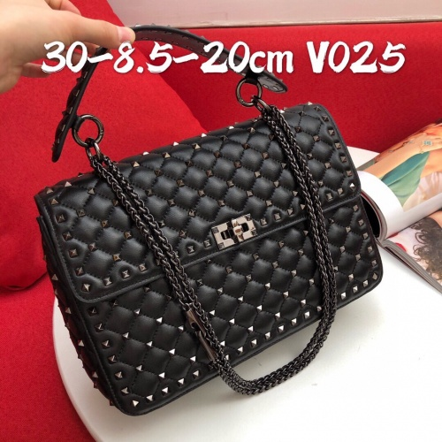 Valentino AAA Quality Messenger Bags For Women #820551 $122.00 USD, Wholesale Replica Valentino AAA Quality Messenger Bags