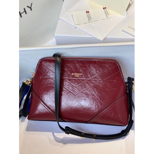 Givenchy AAA Quality Messenger Bags For Women #820566