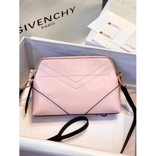 Givenchy AAA Quality Messenger Bags For Women #820569