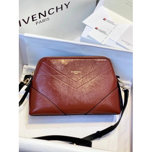 Givenchy AAA Quality Messenger Bags For Women #820571