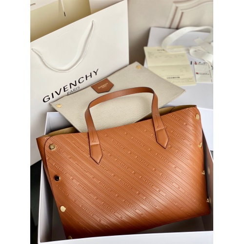 Givenchy AAA Quality Handbags For Women #820577