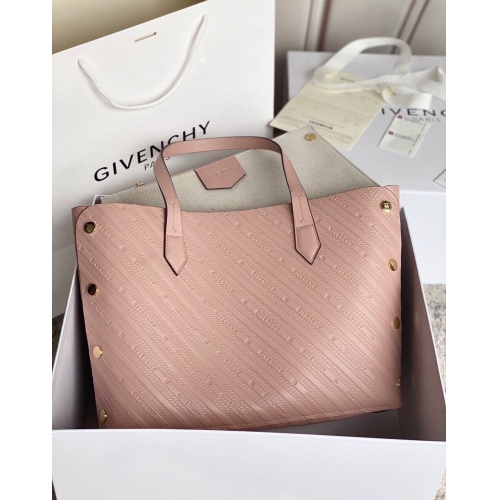 Givenchy AAA Quality Handbags For Women #820580