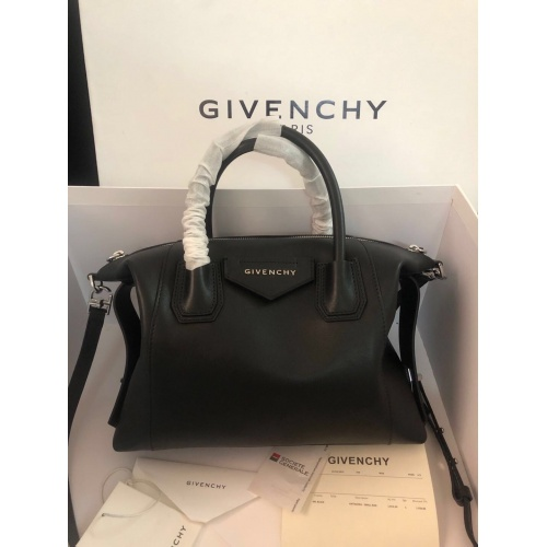 Givenchy AAA Quality Handbags For Women #820588
