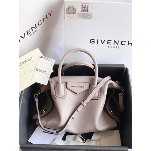 Givenchy AAA Quality Handbags For Women #820589