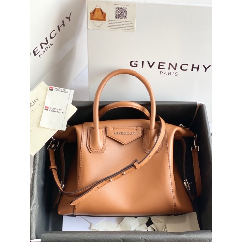 Givenchy AAA Quality Handbags For Women #820590