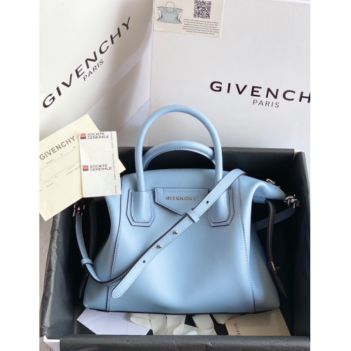 Givenchy AAA Quality Handbags For Women #820591