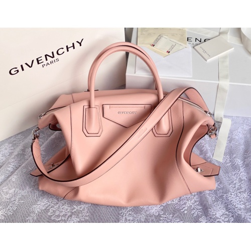 Givenchy AAA Quality Handbags For Women #820594