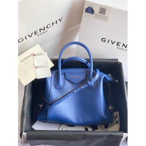 Givenchy AAA Quality Handbags For Women #820599