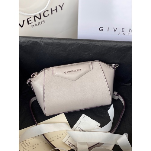 Givenchy AAA Quality Messenger Bags For Women #820602