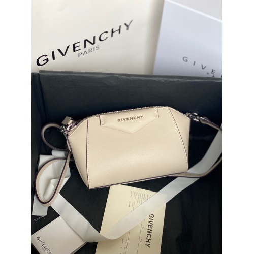 Givenchy AAA Quality Messenger Bags For Women #820603