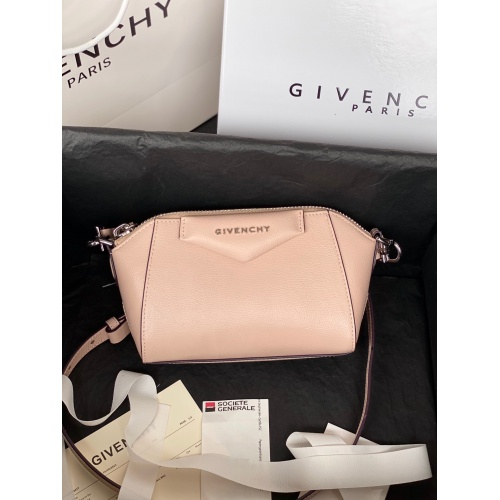 Givenchy AAA Quality Messenger Bags For Women #820605