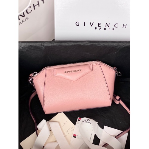 Givenchy AAA Quality Messenger Bags For Women #820607