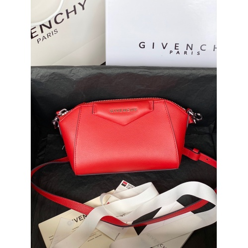Givenchy AAA Quality Messenger Bags For Women #820608