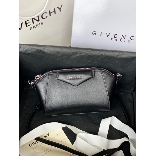 Givenchy AAA Quality Messenger Bags For Women #820610