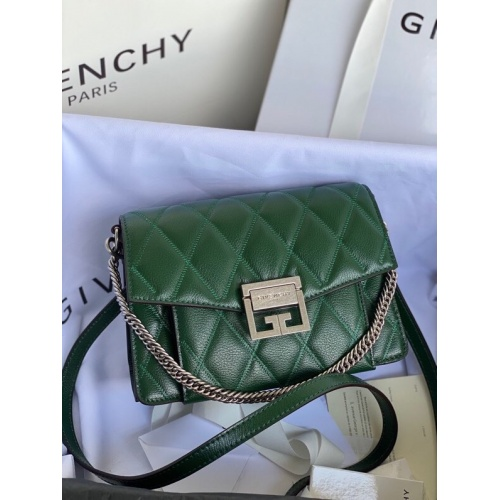 Givenchy AAA Quality Messenger Bags For Women #820613