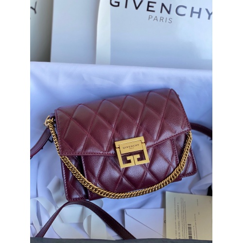 Givenchy AAA Quality Messenger Bags For Women #820616
