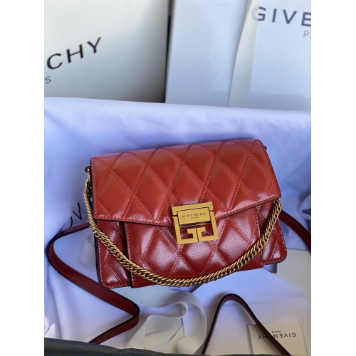 Givenchy AAA Quality Messenger Bags For Women #820618