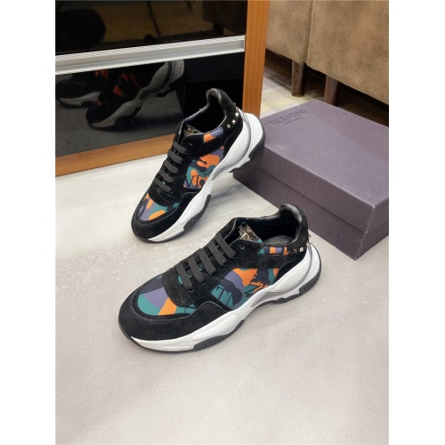 Valentino Casual Shoes For Men #820653