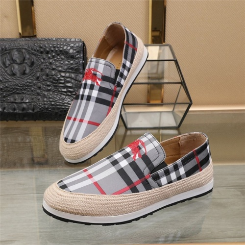 Burberry Casual Shoes For Men #820715