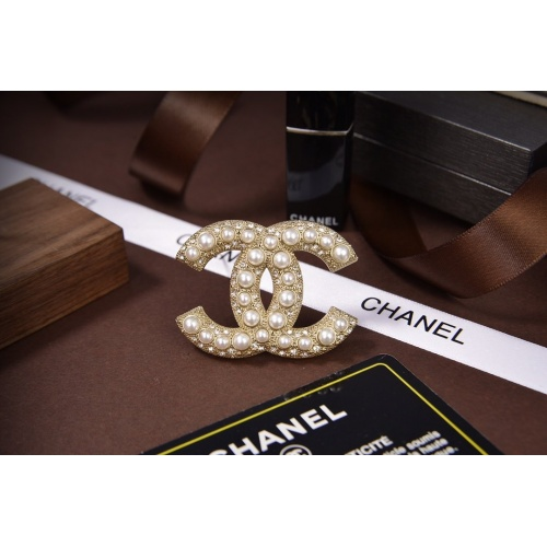 Chanel Brooches #820745