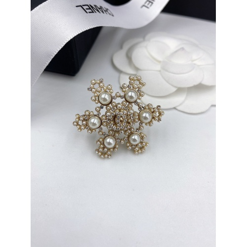 Chanel Brooches #820746