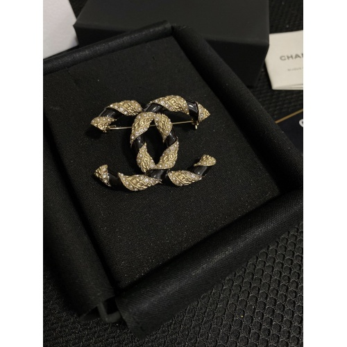 Chanel Brooches #820748