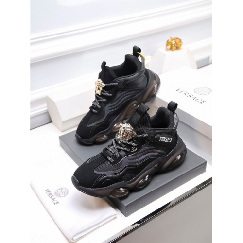 Versace Casual Shoes For Men #820937